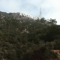 Nice hike with @tyler.travels and @callyxfornia up to the #hollywood sign #california #hollywoodhike #hollywoodsign #holishay