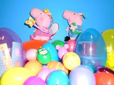 Peppa Pig TOYS - 25+ SURPRISE EGGS - opening 25 Easter Eggs w/ Peppa and...