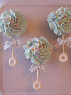 Baby Rattle Cupcakesthese are the BEST Baby Shower Ideas! 2019 Baby Rattle Cupcakesthese are the BEST Baby Shower Ideas! The post Baby Rattle Cupcakesthese are the BEST Baby Shower Ideas! 2019 appeared first on Baby Shower Diy. Baby Shower Kuchen, Gateau Baby Shower, Idee Baby Shower, Shower Bebe, Baby Shower Cupcakes Neutral, Baby Shower Cupcakes For Girls, Baby Shower Cupcake Cake, Babyshower Themes For Girls, Desserts For Baby Shower
