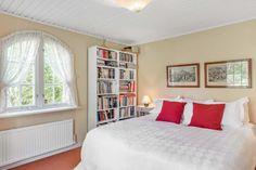 Skandiavägen 4 D Villa, Bed, Furniture, Home Decor, Decoration Home, Room Decor, Home Furniture, Interior Design, Beds