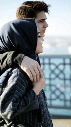 Buda güzel Cute Muslim Couples, Cute Couples Goals, Romantic Couples, Wedding Couples, Couple Goals, Cute Couples Photography, Muslim Couple Photography, Couple Photoshoot Poses, Couple Shoot
