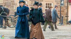 Emma Borden (Clea DuVall) y Lizzie Borden (Christina Ricci) - The Lizzie Borden Chronicles (tv)