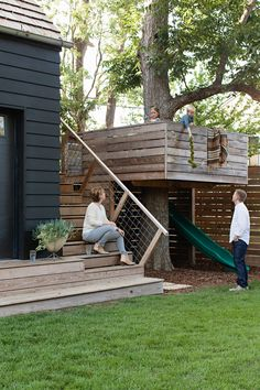 """Deconstructed Style & Simplified Design Offer a Breath of Fresh Air """"The garage opens both to the driveway and to the yard to provide a flow for entertaining and toy Backyard Playground, Backyard For Kids, Backyard Projects, Backyard Playhouse, Modern Tree House, Modern Playroom, Garage Exterior, Tree House Designs, Garage Design"""