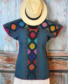 M/L Teal Michoacan Blouse Hand Embroidered & Woven Mexico Cowgirl Fiesta Hippie Next Fashion, Boho Fashion, Girl Fashion, Fashion Outfits, Fashion Design, African Fashion Dresses, African Dress, African Clothes, Ankara Stil