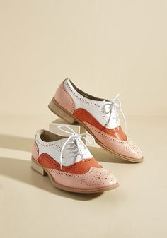<p>And now for your feature presentation - these colorblock wingtips! Putting a flashy spin on the classic style, these thrilling, faux-leather kicks boast a palette of vanilla, strawberry, and watermelon hues, sandy-colored soles, and tons of personality.</p>