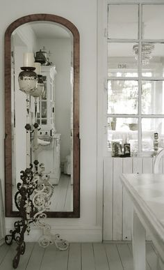 Old Mirror...