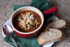 Pasta Fagioli - A hearty Italian soup loaded with sausage, beans, pasta, and veggies. It's a one pot meal that's quick and easy to make. Chowder Recipes, Soup Recipes, Cooking Recipes, Healthy Soup, Healthy Eating, Healthy Life, Pasta Fagioli Recipe, Fagioli Soup, Low Calorie Recipes