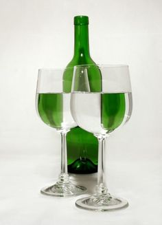 Refraction  Google Image Result for http://gleeson9science.pbworks.com/f/1223695865/Refraction_green-med_photos-of-the-year_com.jpg
