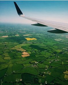 They say Ireland has 40 shades of green. There's quite a few of them in this picture taken by @sarahtrapp6 as she flew into Dublin.  Anyone else just arrived or coming soon?