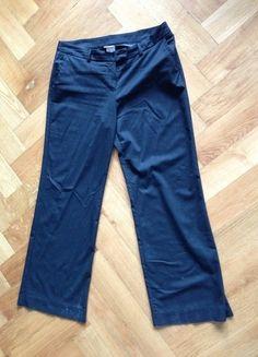 Kaufe meinen Artikel bei #Kleiderkreisel http://www.kleiderkreisel.de/damenmode/anzughosen/57784600-schwarze-nadelstreifen-hose-mit-silbernen-streifen