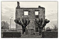 Trümmerdorf Oradour-sur-Glane: Spuren eines SS-Massakers Oradour, ich habe Angst zu hören Oradour, ich wage nicht mich deinen Wunden zu nähern deinem Blut deinen Trümmerstätten ich kann nicht ich kann deinen Namen weder hören noch sehen.