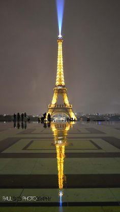 Reflections O The Eiffel