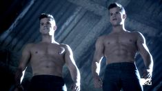 http://malecelebsblog.com/max-and-charlie-carver-shirtless/