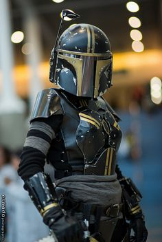 Comikaze Day 3 - Star Wars Cosplay - Star Wars Cosplay news - - Star Wars Costumes, Cool Costumes, Cosplay Costumes, Cosplay Ideas, Costume Ideas, Mandalorian Costume, Mandalorian Armor, Star Wars Mädchen, Star Wars Girls