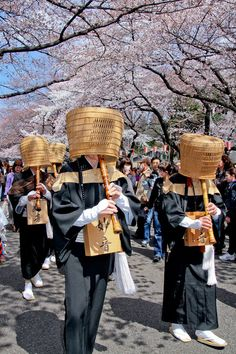 A little bit of Japan Japanese Culture, Japanese Art, Japanese Festival, Buddhist Monk, Samurai Art, Japan Photo, Japan Travel, China Travel, The Monks