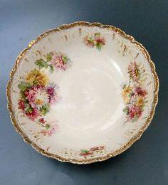 Antique Large Porcelain Berry Serving Bowl Scalloped Edge Chrysanthemum Gold