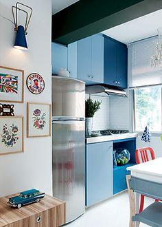 Quase todos nós temos uma cozinha pequena, assim como temos um banheiro pequeno ! Mas ela pode ser funcional, bonita e organizada. Veja só: