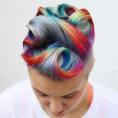 Arctic Fox hair color is vibrant, long-lasting, semi-permanent hair dye that is made in the USA. Creative Hairstyles, Cool Hairstyles, Hairstyle Ideas, Wavy Hair, Dyed Hair, Bart Trend, Arctic Fox Hair Color, Coloured Hair, Rainbow Hair