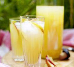 Apple, elderflower & gin cocktails