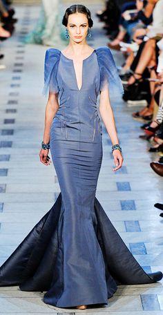 Zac Posen at New York Fashion Week Spring 2012 - Runway Photos Modern Filipiniana Gown, Philippines Fashion, New Yorker Mode, Moda Chic, Designer Gowns, Zac Posen, Playing Dress Up, New York Fashion, Short