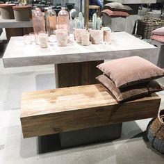 Love this  Betong møbler i alle varianter  Liker du?  #ioscandinavia #betong #utemøbler #innemøbler #tre #natur #lovethis