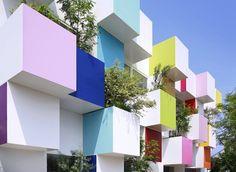 Emmanuelle Moureaux Architecture + Design / 巣鴨信用金庫 中青木支店