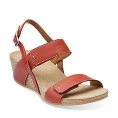 54c8765681c 190b441e4ecaaf5548f72bcdb4388ea3--comfy-shoes-women-sandals.jpg