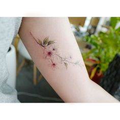 : Cherryblossom . . #tattooistbanul #tattoo #tattooing #flower #flowertattoo #colortattoo #cherryblossom #타투이스트바늘 #타투 #꽃타투 #컬러타투 #벚꽃 #벚꽃타투