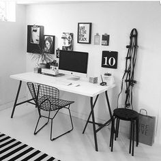 Workspace Inspo and Image Regram thanks to Josefina @lovegatan28 ❤❤❤ Monochrome Monday and we find ourselves at the amazing workspace of Josefina @lovegatan28. We love the gallery wall and string lights, monochrome awesome right here. Thanks Josefina @lovegatan28 we love your workspace style!❤❤❤