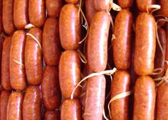 Discover recipes, home ideas, style inspiration and other ideas to try. Sausage Recipes, Pork Recipes, Mexican Food Recipes, Cooking Recipes, Ethnic Recipes, Charcuterie, Homemade Chorizo, Home Made Sausage, Frijoles Refritos