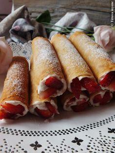 Epres rólók-réteslapból | Tétova ínyenc Hungarian Desserts, Torte Cake, Sweet And Salty, Diy Food, Hot Dog Buns, Cake Recipes, Breakfast Recipes, Biscotti, Good Food