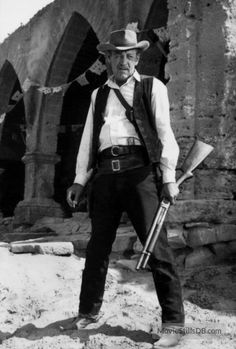 "William Holden in director Sam Peckinpah's ""The Wild Bunch"": ""If they move, kill them. The quote isn't from this scene, but it's from Holden in this movie. Western Film, Western Movies, Best Western, Classic Movie Stars, Classic Movies, Sam Peckinpah, The Wild Bunch, Tv Westerns, Le Far West"