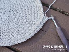 Shiplap Slouch Hat Crochet Pattern  |  Free teen / adult slouchy hat crochet pattern by Little Monkeys Crochet