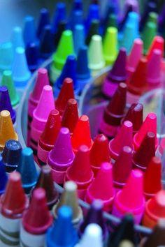 colored crayolas