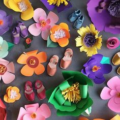 Getting lost in a field of paper flowers.  #avarcasusa #paperflowers #dscolor