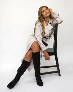 Klasszikus, amely soha nem megy ki a divatból. ❤️ Ennek a Tamaris csizmának a divatos szabása találkozik az extra puha talppal, amely a hosszú napokon is végig kényelmes marad 🥰🤗 Érezd magad kényelmesen, és tűnj elegánsnak 💄😉 #tamaris #Tamariswebshop #csizma #divat #ValentinaCipőbolt #cipőwebshop Knee Boots, Valentino, Ford, Punk, Shoes, Fashion, Moda, Zapatos, Shoes Outlet