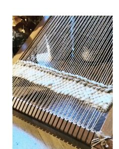 Rustique 2 2019 Now work on the loom The post Rustique 2 2019 appeared first on Weaving ideas. Weaving Loom Diy, Rug Loom, Weaving Art, Tapestry Weaving, Hand Weaving, Basket Weaving, Loom Weaving Projects, Knitting Projects, Weaving Textiles