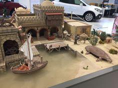 Diy Dollhouse, Dollhouse Miniatures, Big And Beautiful, Ideas Para, Cribs, Paint Colors, Nativity, Terrarium, Africa