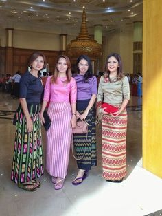 The best Myanmar/Burma locals wear for women Traditional Dresses Designs, Traditional Outfits, Modern Filipiniana Gown, Kebaya Lace, Myanmar Dress Design, Model Kebaya, Myanmar Traditional Dress, Batik Fashion, Thai Dress