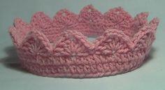 Free Crochet Crown Pattern.Looks like single crochet  2 rows around base then a row single ch 3 double ch 2 chain 3 double then 1 single repeat