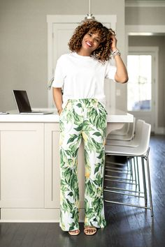 2020 Spring trends you can wear at home - Summer Outfits for Work Lounge Outfit, Lounge Wear, Spring Fashion Trends, Summer Fashion Trends, Spring Trends, Fall Fashion, Trajes Business Casual, Business Casual Outfits, Business Attire