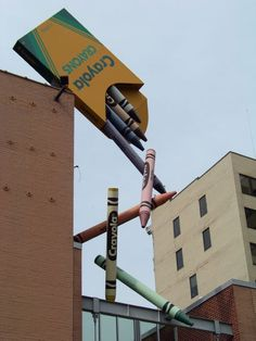 The Crayola Factory, Easton, Pennsylvania. Murals Street Art, Crayola Factory, Simply Image, Claes Oldenburg, Building Art, Amazing Buildings, Adventure Awaits, Art Plastique, Public Art