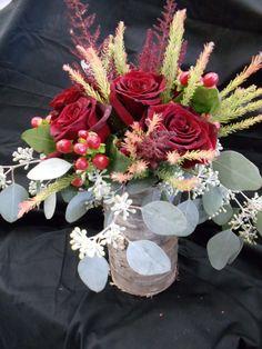 Rose and hypericum centerpiece