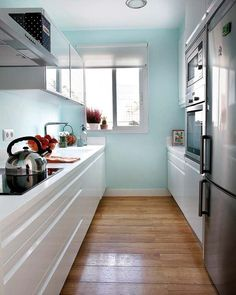 Galley Kitchen Remodel Ideas (Small Galley Kitchen Design, Makeovers, and Plans) - Galley Kitchen Remodel Ideas - Kitchen Ideas Galley Kitchen Design, Small Galley Kitchens, Small Kitchen Layouts, Galley Kitchen Remodel, Country Kitchen Designs, Grey Kitchens, Kitchen Ideas, Space Kitchen, Pantry Ideas