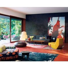 Poltrona Silverlake, design de Patricia Urquiola / Residência de Patrizia Moroso, projeto de Patricia Urquiola. #design #poltrona #conforto #designdemoveis #furnituredesign #chairdesign #chair #comfort #interior #interiores #artes #arts #art #arte #decor #decoração #architecturelover #architecture #arquitetura #design #projetocompartilhar #shareproject #poltronasilverlake #silverlakechair #patriciaurquiola