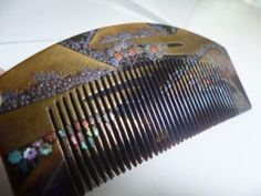 [In] Kotsuki Zaimei this tortoiseshell comb and Sakura Toyama 笄 view of autumn leaves gold and silver lacquer work design in mother-of-pearl inlay (ornamental hairpin _ image 3