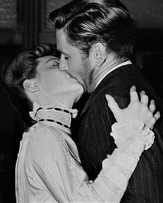 Movie Kisses, Bette Davis Eyes, Errol Flynn, Ingrid Bergman, Love Kiss, Actrices Hollywood, Old Hollywood, Classic Hollywood, This Is Love