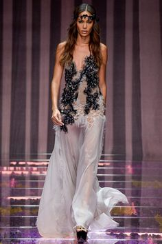 Atelier Versace Fall 2015 Couture Fashion Show: Complete Collection - Style.com