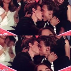 Another collage of the kiss cam moment cuz this will go in history #skam#evak#gullruten#isakandeven#henrikholm#tarjeisandvikmoe