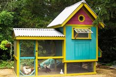 Back yard chicken coop, I would love something like this one day!!  I'll have to fly my dad in to build it for me.